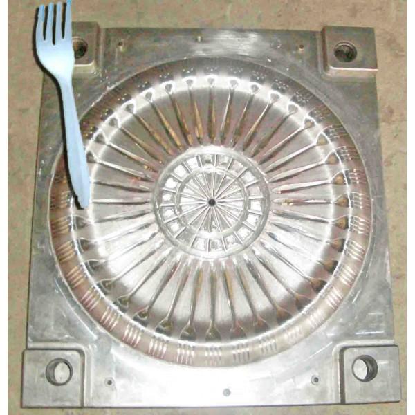 Gia công ép nĩa nhựa